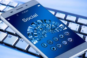 como divulgar no facebook sem pagar nada?